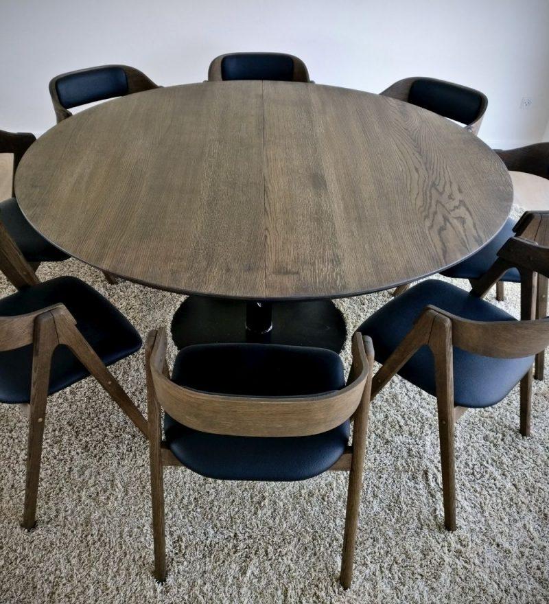 22 rundt plankebord mork egetrae kaerbygaard 2021