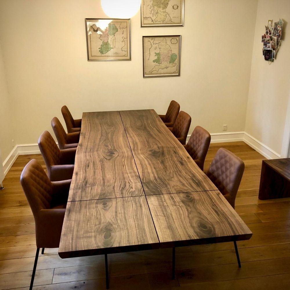 4 plankebord i 4 planker valnod fra Kaerbygaard