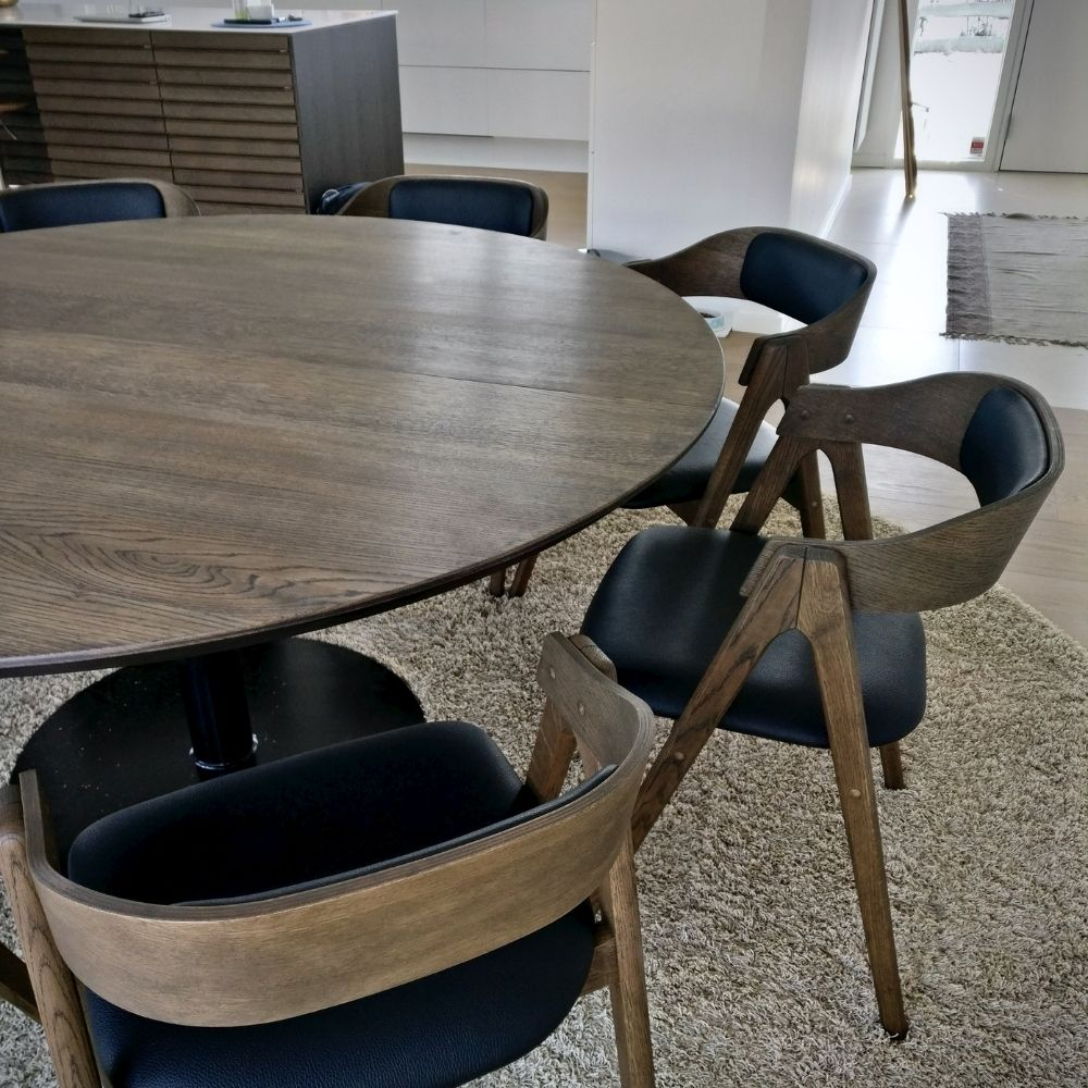 6 rundt bord fra kaerbygaard i egetrae