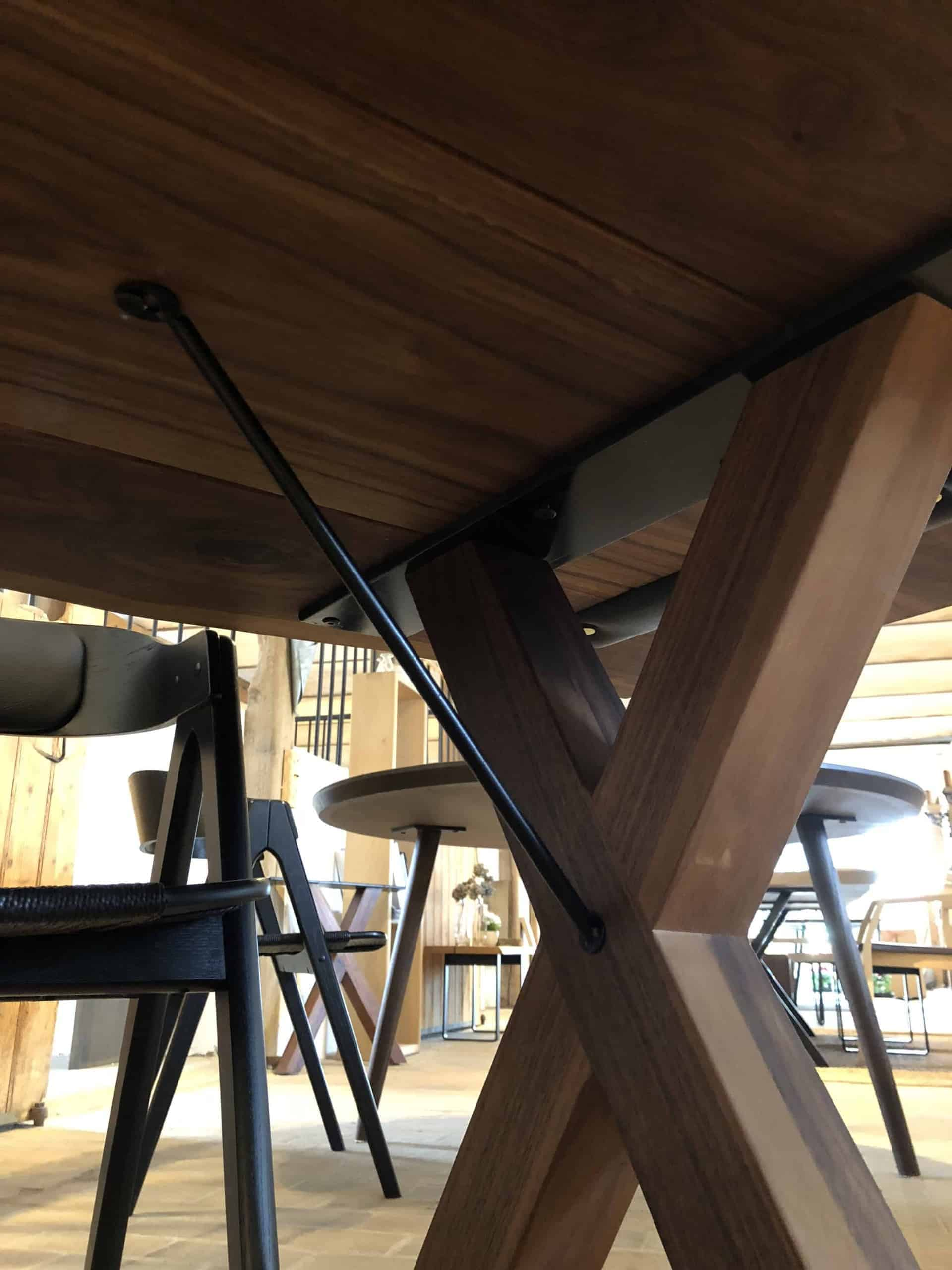 wood table leg