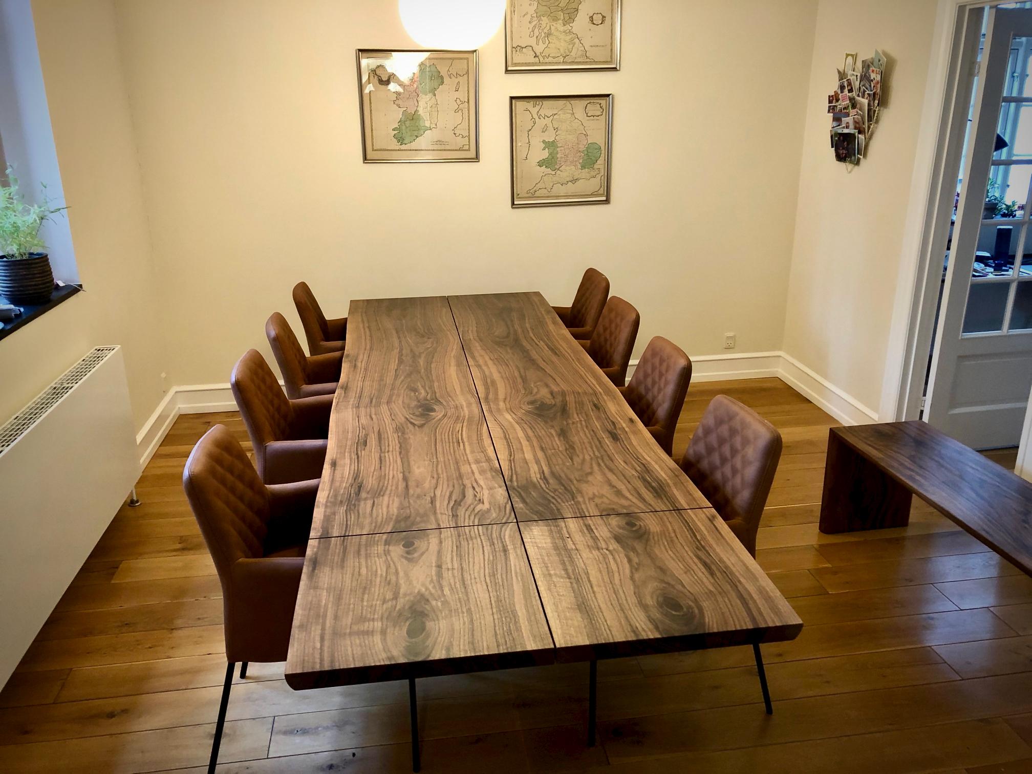 Kaerbygaard 2021 plankebord med tulsa stole 11