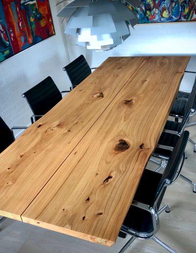 Plankebord i elmetrae 2021 kaerbygaard 2021 med udtryk og 2 tillaegsplader inkl mette spisebordsstole 1 1