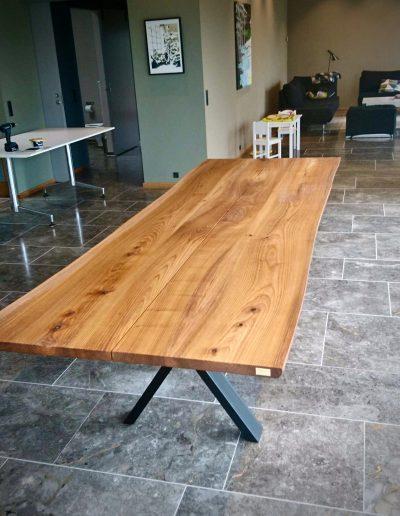 Plankebord i elmetrae 2021 kaerbygaard 2021 med udtryk og 2 tillaegsplader inkl mette spisebordsstole 1