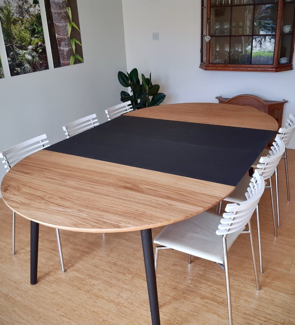 Rundt plankebord egetrae kaerbygaard