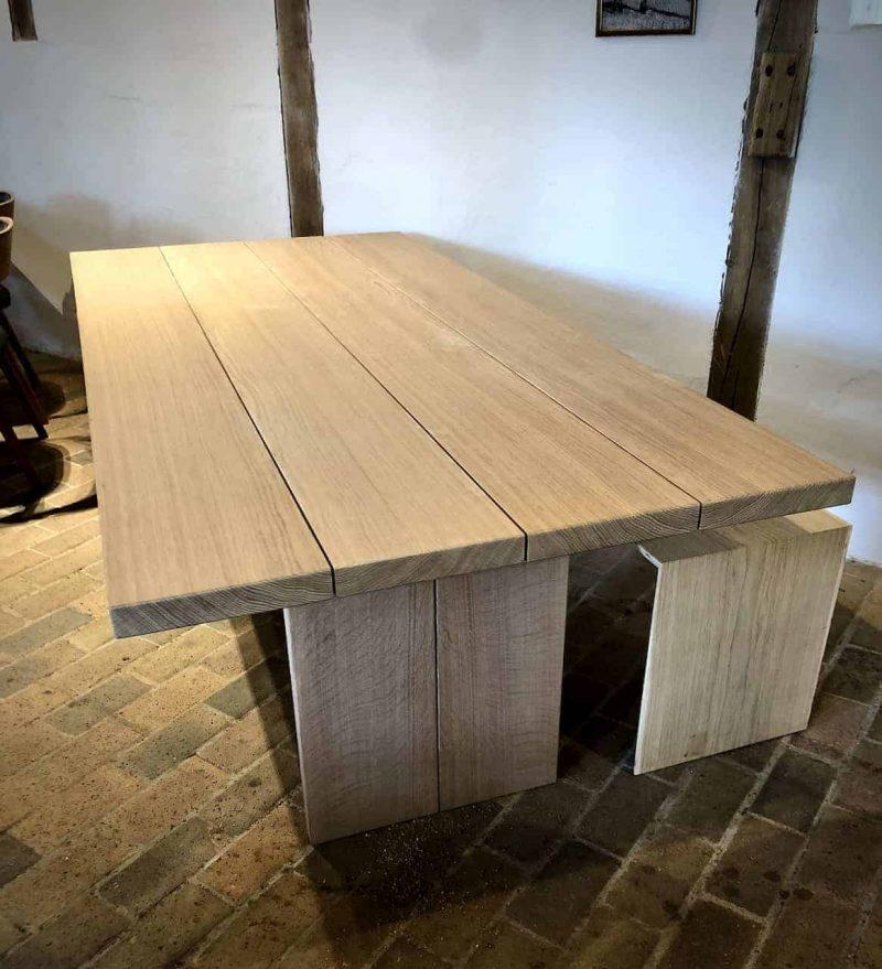 STOR-size-indendoers-4planker-4plankebord-udendoers-outdoor-indoor-indendoers-fire-plankebord-snedkerbord_juni2020_Kaerbygaard_Kærbygård-snedkeri_2020_Juni_Egetrae_egetræ - 3