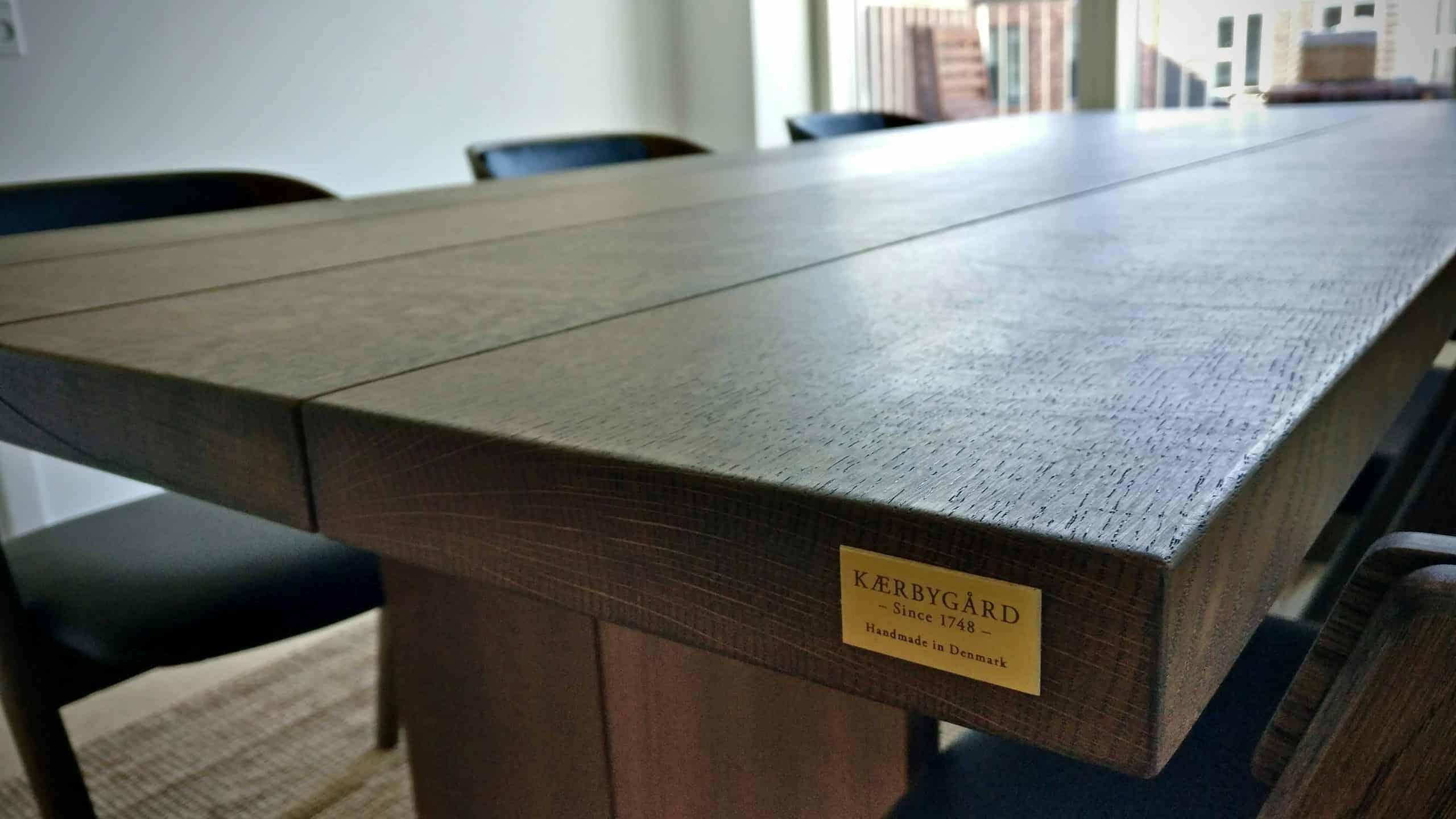 Snedkerbord Mette spisebordsstol Kaerbygård 4 planke indoor indendoers mette spisebordsstol 3 scaled