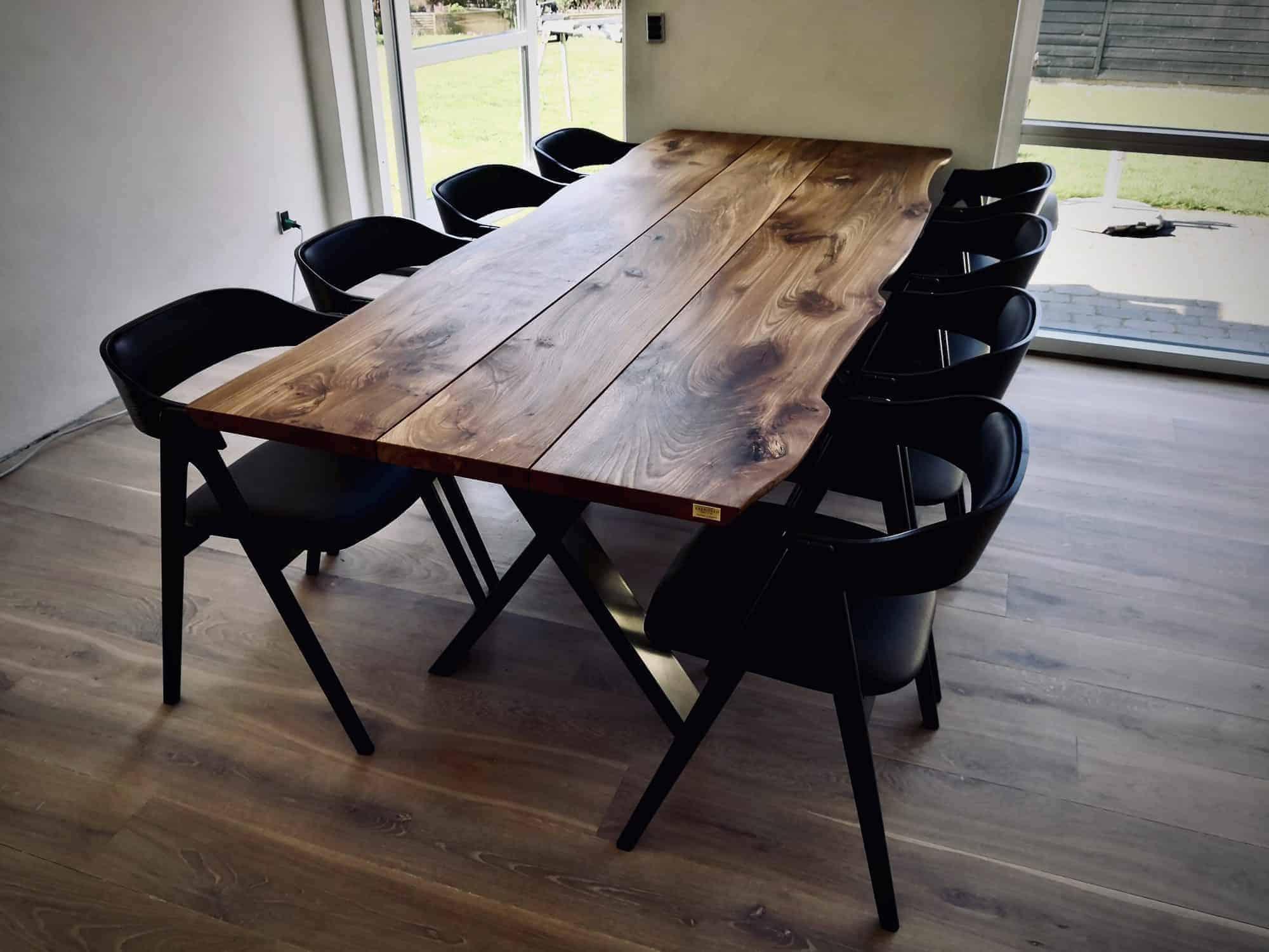 Snedkerbord Mette spisebordsstol Kaerbygård plankeborde mm faerdige 28 scaled