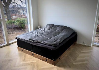 Vin sengebord talerstol seng hylde sofa skrivebord 6