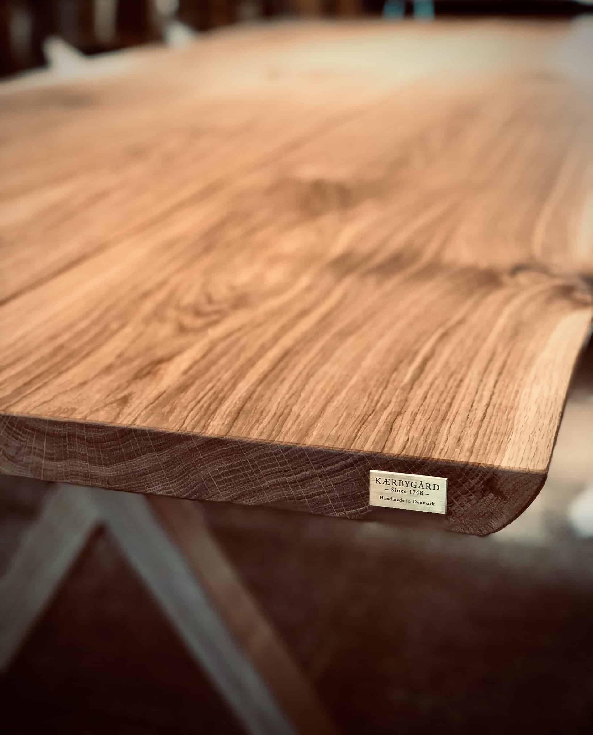 billede10 2 1 - kaerbygaard plankebord KÆRBYGÅRD 2020 snedkeri - træbord_ Egetræ - valnød elmetræ