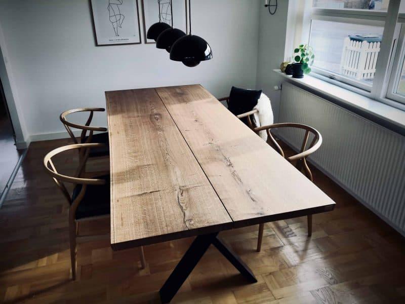plankeborde mm færdige 20 scaled - kaerbygaard plankebord KÆRBYGÅRD 2020 snedkeri - træbord_ Egetræ - valnød elmetræ