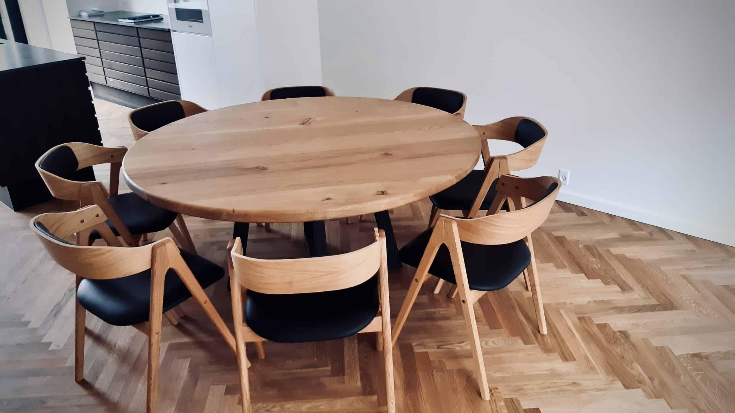 rundtbord rundbord ovalt bord bord i trae traebord traemobler kaerbygaard kaerbygård august 2020 2 scaled