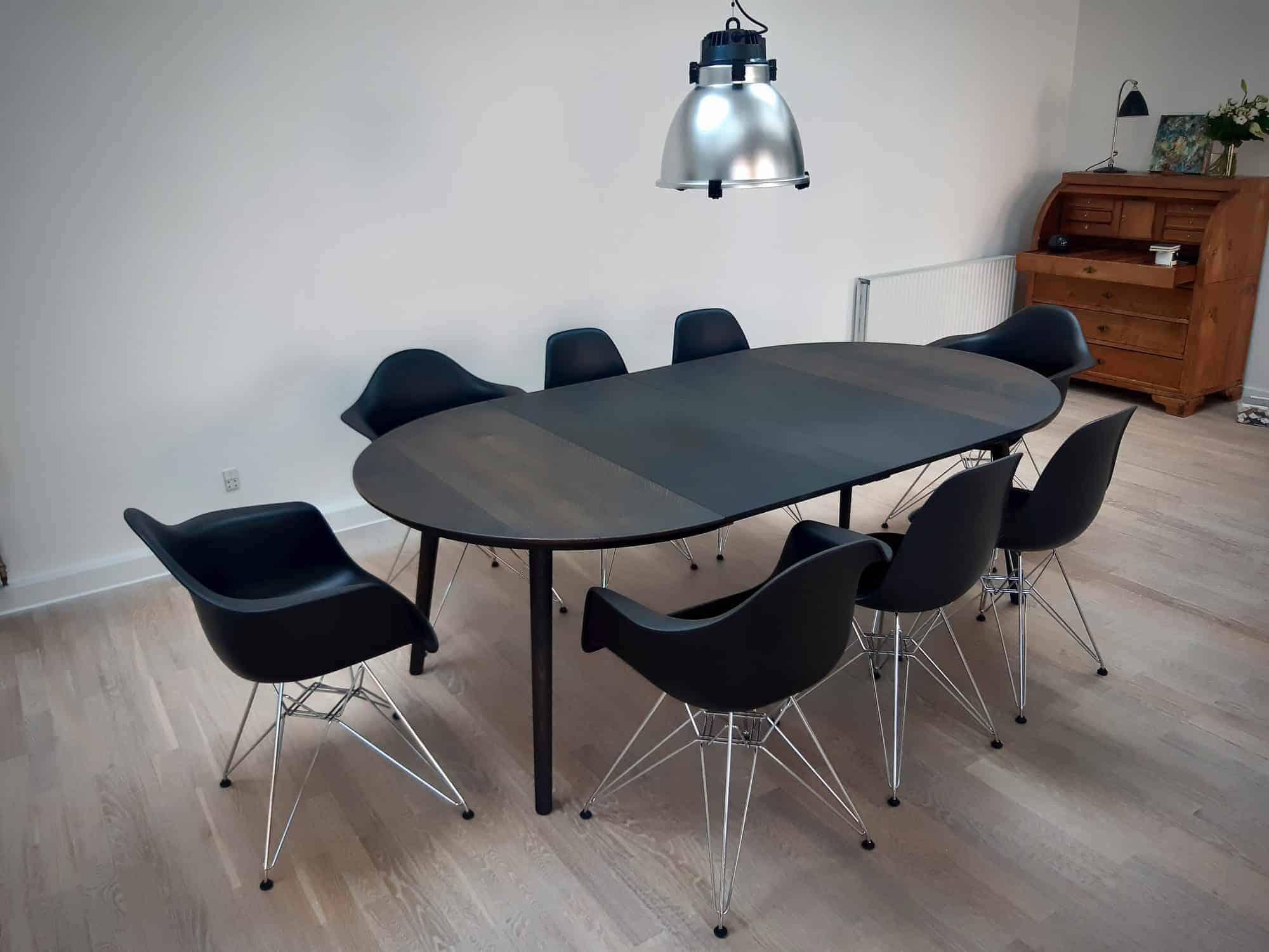 rundtbord rundbord ovalt bord bord i trae traebord traemobler kaerbygaard kaerbygård august 2020 4 scaled