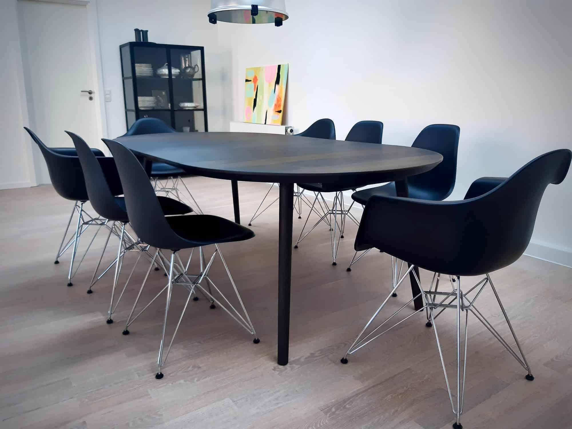 rundtbord rundbord ovalt bord bord i trae traebord traemobler kaerbygaard kaerbygård august 2020 7 scaled